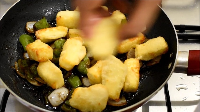 chilli paneer recipe.mp4.00_04_27_25.Still024